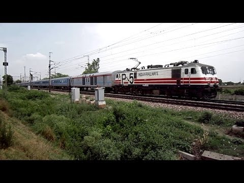 Indian Semi Bullet Train With Wap-5 Navkirti Rushes Past At 160 Kmph Overtaking Pune Duronto Express video