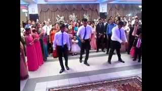 මෙන්න තවත් පට්ට wedding surprise dance එකක් Surprise wedding dance in Sri lanka 2014