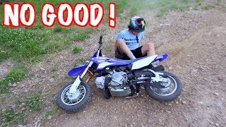 10 YEAR OLD KID FALLS LEARNING HOW TO RIDE A DIRT BIKE !