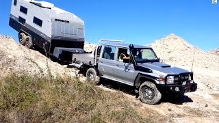 TOYOTA LC70 vs HILUX 4X4 OFFROAD