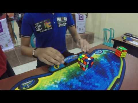 RUBIK'S CUBE WORLD RECORD 4.74 SECONDS - Mats Valk