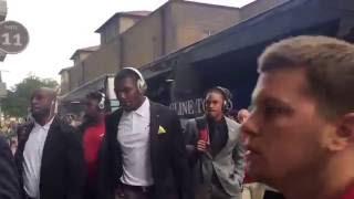 Alabama football team arrives at Tiger Stadium