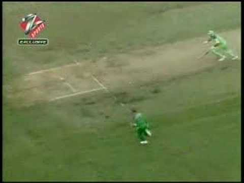 Jonty Rhodes run out
