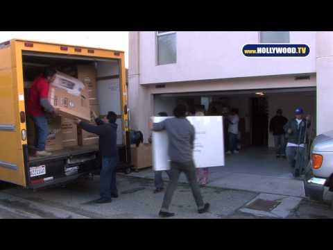 0 Lindsay Lohan Moves to Samantha Ronsons Neighborhood