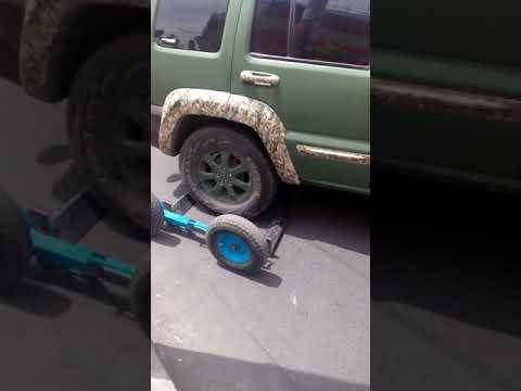 GRUA provoca accidente en Arequipa