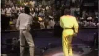 Watch Kool & The Gang Ooh La La La video