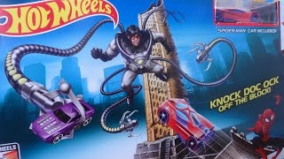 HOTWHEELS MARVEL ULTIMATE SPIDER MAN DOC OCK KNOCK DOWN PLAY SET