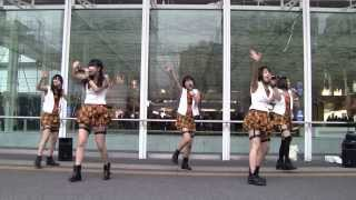 Very famous Japanese IDOL 【ベイビーレイズ 11】M-1 暦@2014-1-5 川崎駅東口路上ゲリラライブ【正面Ver.】