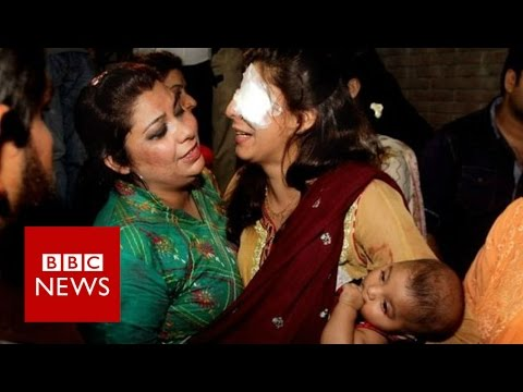 Pakistan: Lahore explosion leaves many dead at park - BBC News