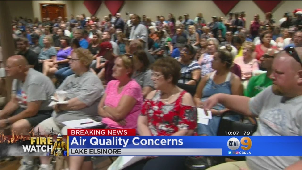 Lake Elsinore, Corona Residents Attend Packed Meeting For Answers About Holy Fire