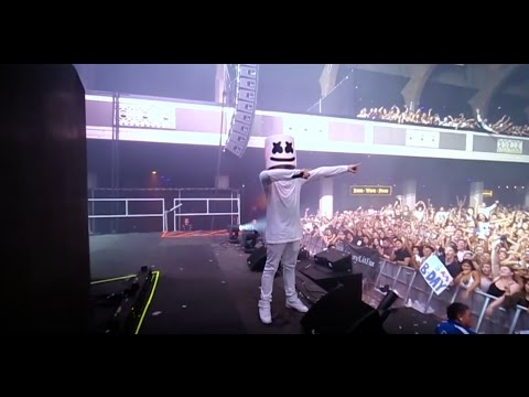 download lagu Marshmello And The Mellogang Do The Biggest Mannequin Challenge At The Shrine gratis
