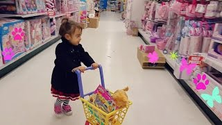"""Cute Little Girl  Doing Shopping -TOYS """"R"""" US - Toy Shopping Cart"""
