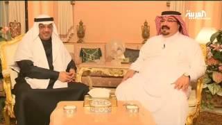 طلال بن بدر وبندر بن محمد يبتسمان قبل الديربي