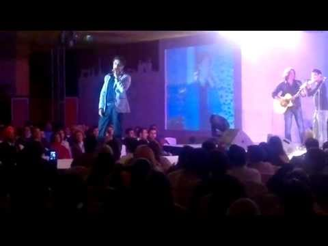 Ali Zafar Sun Rey Sajaniya Live At Taj Palace video