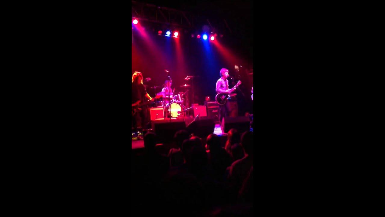 "Nada Surf, ""Teenage Dreams"" live - YouTube"