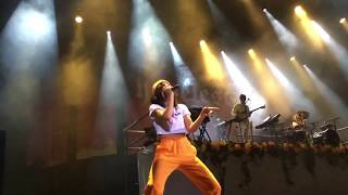 Halsey -Heaven in hiding (live performance) Russia Moscow