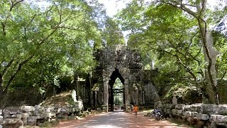Tour Around Angkor Thom Temple in Siem Reap Province - Asian Travel & Tourism