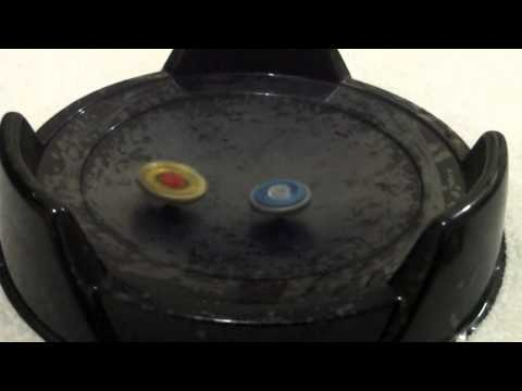 Beyblade Metal Fight Hell Kerbecs 85MF vs Ray Pegasus 90RF