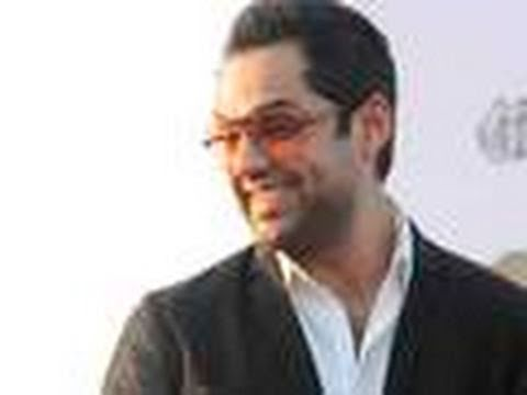 Abhay Deol meets a crazy FAN