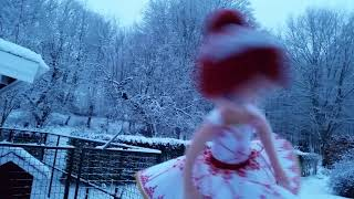 Ballerina Leap Felicie dancing in the snow