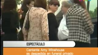 Cantante Amy Winehouse es despedida en funeral privado 480p