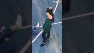 [FANCAM 032017] Dịch Dương Thiên Tỉ không biết sợ độ cao - Baby let me go