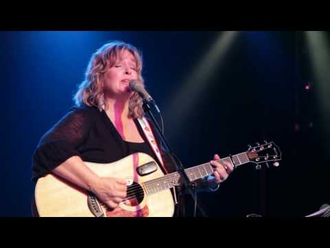 Gretchen Peters - Waiting For The Light To Turn Green