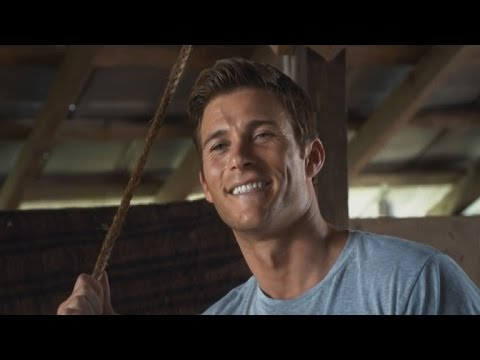 'Longest Ride' Hunk Scott Eastwood Has 'Fun' With His Shirtless Instagram Pics