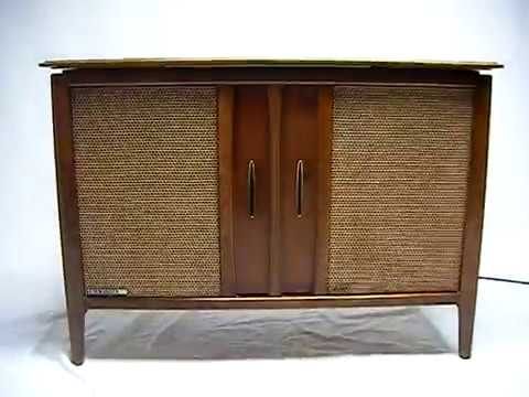 VINTAGE 50s 60s Mid Century Modern RCA High Fidelity Console Bluetooth Stereo