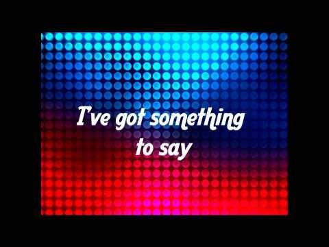 Selena Gomez - SHAKE IT UP (HD) lyrics on screen