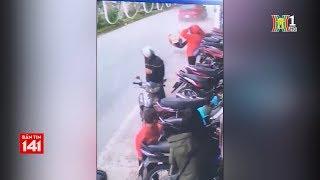 BẢN TIN 141 | 21.02.2018 | May mắn sống sót khi bị ô tô đâm thẳng xe máy