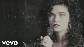 Watch Alannah Myles Black Velvet video