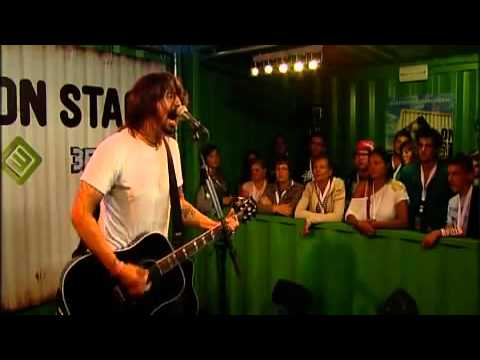 Dave Grohl  Walk  (acoustic) video