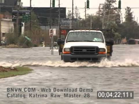 8/29/2005 Hurricane Katrina, aftermath video around Kenner, LA. - Katrina Raw Master 28