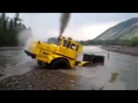 A Russian tractor driver refuses to give up after his vehicl
