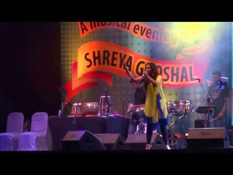 Shreya Ghoshal In Infosys Mysore- Live (nagaade Sang Dhol Baje) video