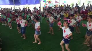 Trường mầm non Xuân Nộn: đồng diễn trời nắng trời mưa