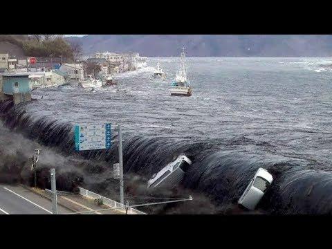 Tsunami in Indonesia 2018 - Caught Live on Camera