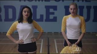 Betty and Veronica Kiss – Riverdale Season 1 Episode 1