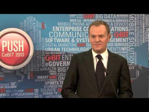 Donald Tusk, Angela Merkel - briefing, targi CeBIT w Hanowerze