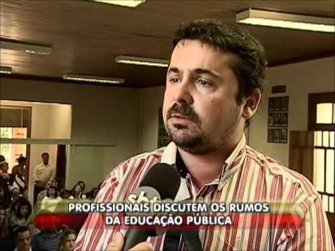 Profissionais discutem os rumos da educação pública