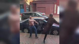 EPIC spinning heel kick as skinny guy wins street fight