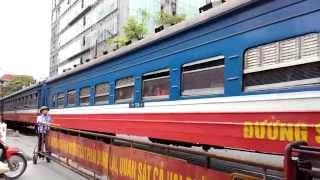 Train Vietnam Tàu hoả ga HN Voyage sur mesure, authentique pas cher Vietnam Customized travel cheap