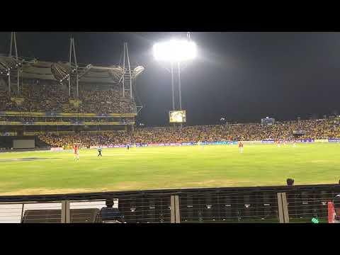 CSK v/s KXIP : Dhoni last ball 6 @MCA Pune