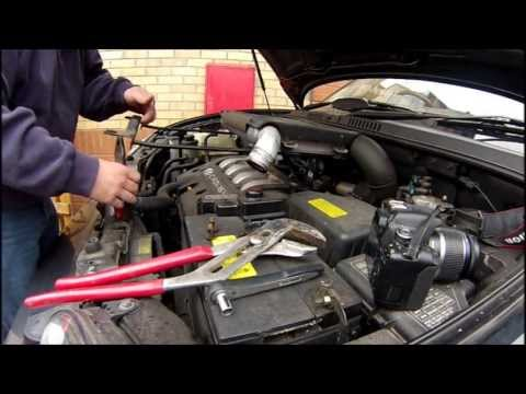 Hyundai Santa Fe Camshaft position sensor replacement. 05' Diesel how to replace CPS