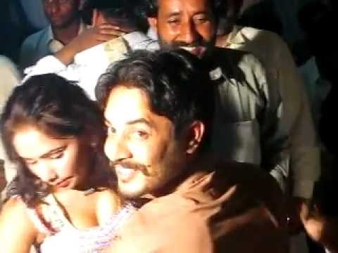 Mujra on Dr.Malik Munnawar Khokhar  Wedding  2/6,Rodu Sultan, Jhang