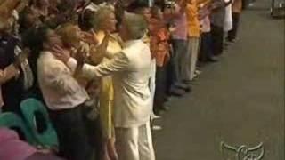 Benny Hinn - God Anointing The Audience