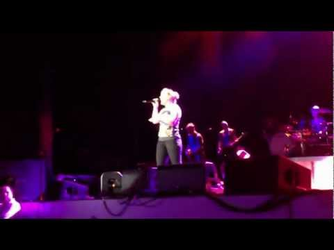 Kelly Clarkson - Not Over You (Gavin Degraw cover) - Orange Beach, AL - 8/6/12