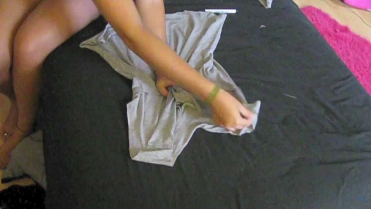 Diy distressed vintage t shirt youtube for How to make a distressed shirt