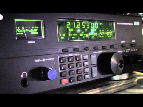 KH6LC Lloyd & LU1UM on a Drake R-8 Receiver